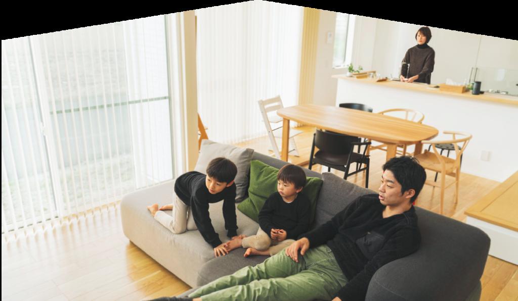 趣味に没頭できる部屋 家族を照らす明かりを取り込む家